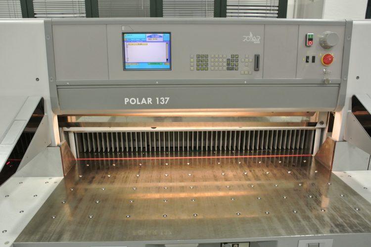 Polar 137 E